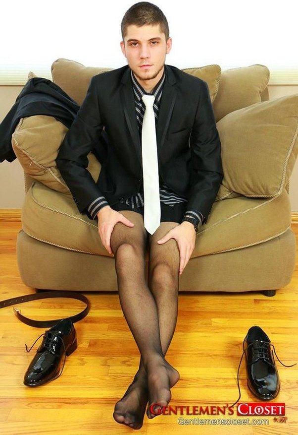 Mwn wearing pantyhose
