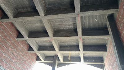 It is possible for a concrete slab to span 10m without
