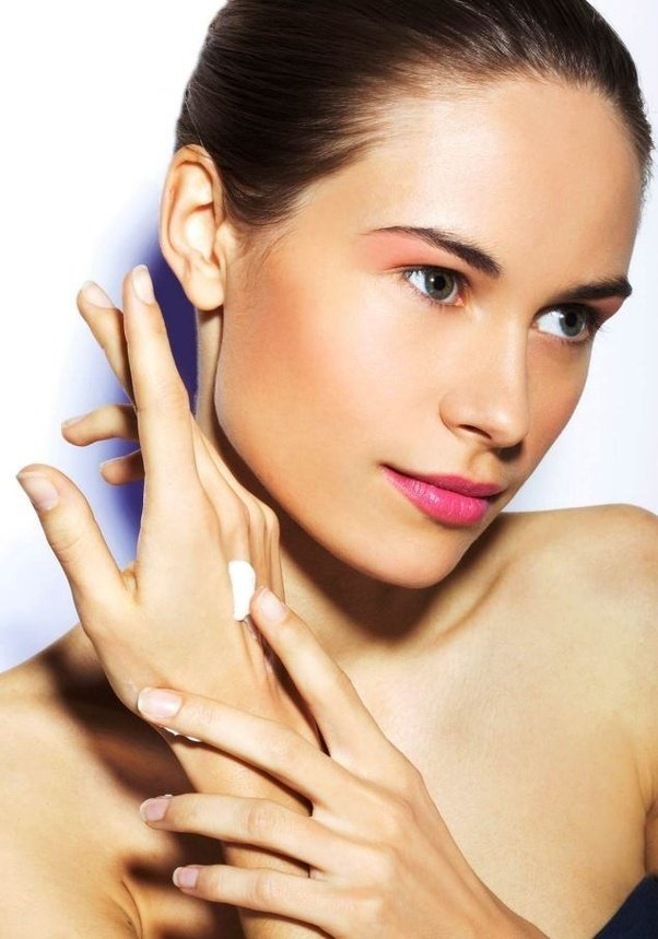 Dermatology: Do men need to use protective hand cream as ...