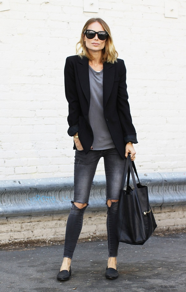 what color blazer to wear with jeans
