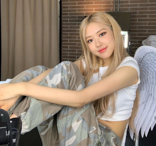 Do you think that Rosé from Blackpink is the least attractive? - Quora