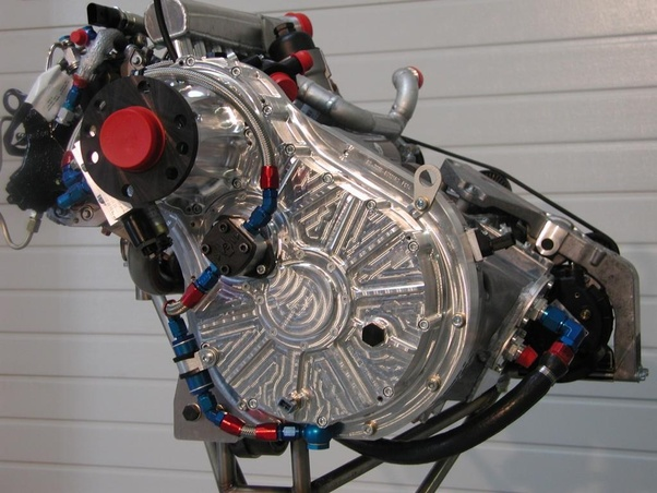 Why can't car engines with eight pistons switch between V8
