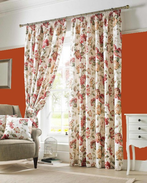 What Color Curtains Go With Red Walls?