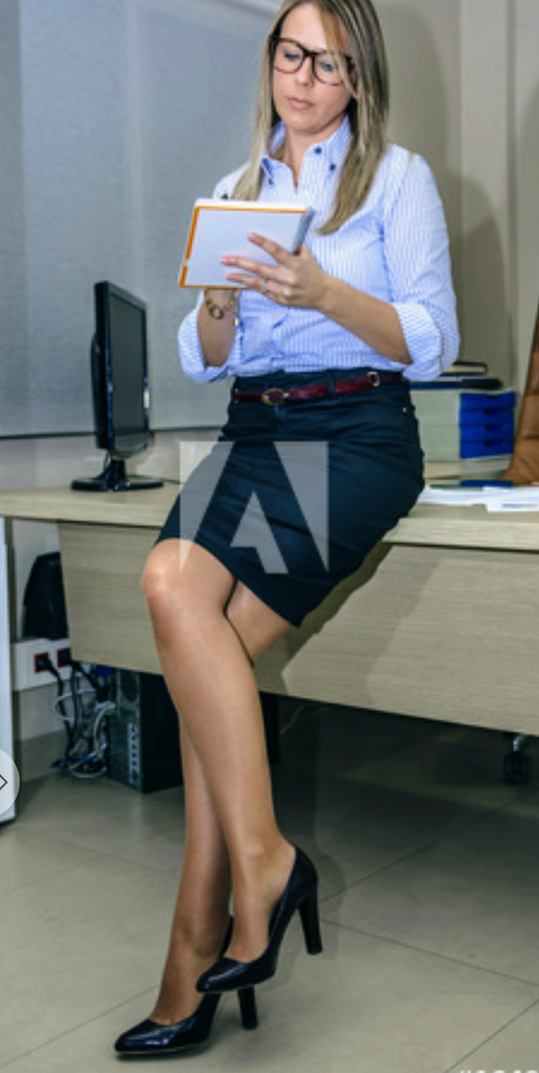 Is it an innate behaviour for women to cross their legs