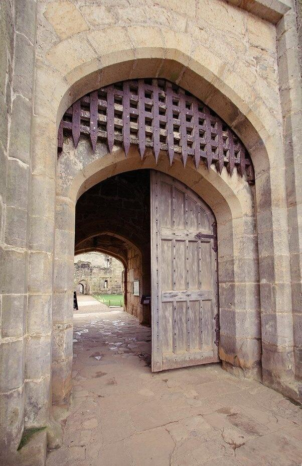 How Did Medieval Soldiers Get Through A Portcullis Quora