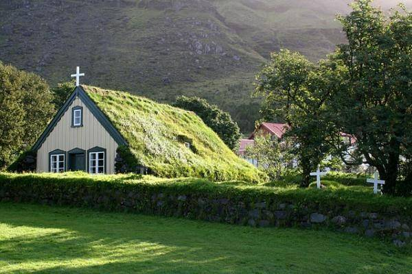The Icelandic Turf Houses Are Beautiful And Unique In Their Way. One More  Thing They Really Blend Well With The Landscape.