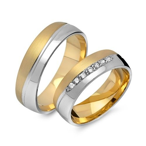 Are Wedding Rings Worn On The Right Hand: What Does A Non-golden Ring On The Right Hand Ring Finger