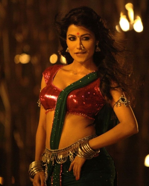RAQUEL: Chitrangada singh hot bikini