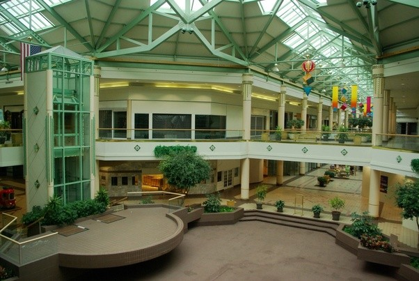 Why Are There So Many Dead Malls Across The Us Quora