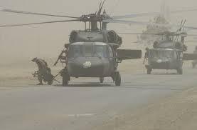 Si les hélicoptères modernes existaient pendant la Seconde Guerre mondiale, auraient-ils pu être utilisés pour l'invasion de la Normandie s'ils avaient décollé d'Angleterre? Lesquels?