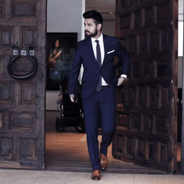 What Are The Best Shoes To Wear With A Blue Suit?