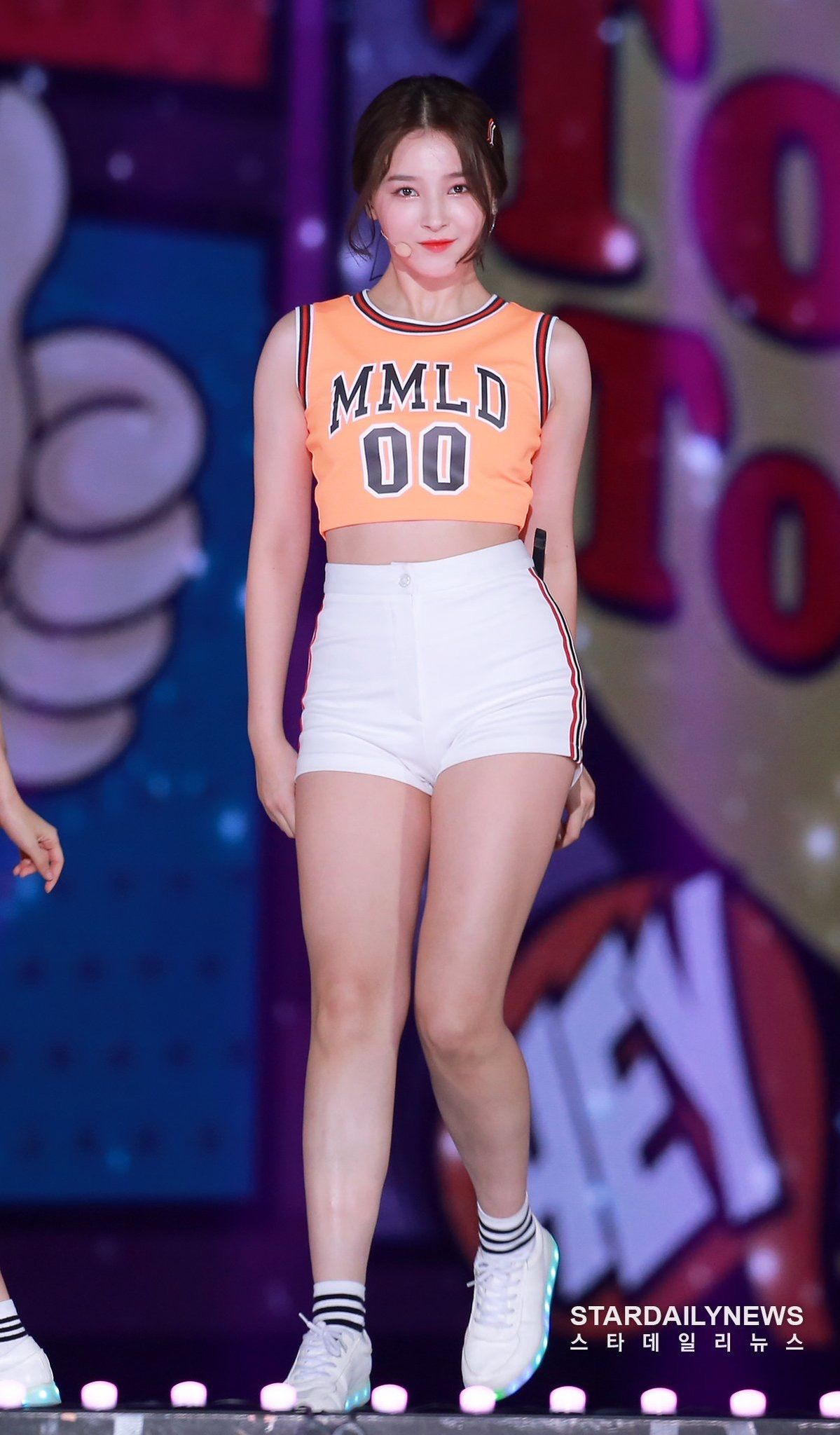 Which are the outfits that are worn by young idols that you think