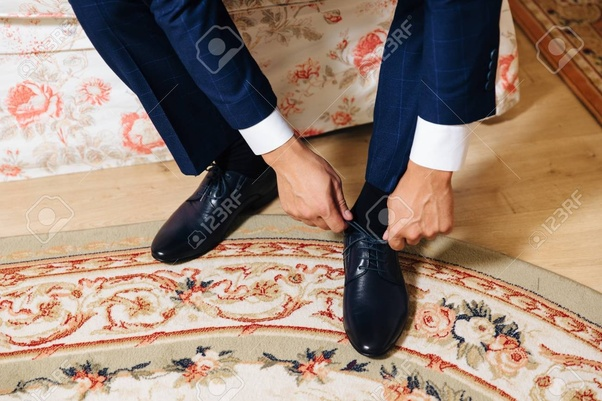 dce1618c073 Is it acceptable to wear black socks with a blue suit  - Quora