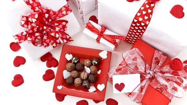 What should I give my girlfriend for Valentine\'s Day? - Quora