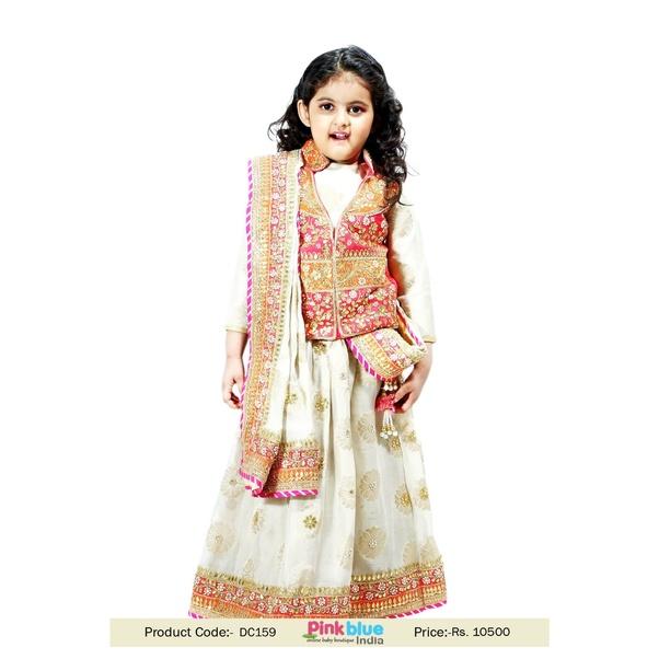 Why Would An Indian Girl Wear Lehenga Cholis To Her Friend S Wedding Quora,Elegant Sophisticated Wedding Mehndi Elegant Sophisticated Wedding Bridal Dresses 2020
