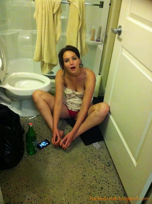 Jennifer Lawrence Naked Selfie