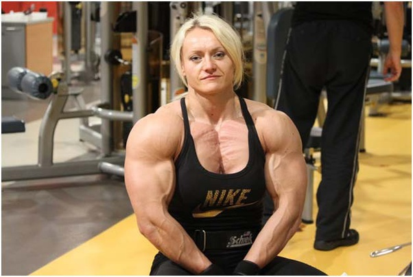 Signs a woman is using steroids