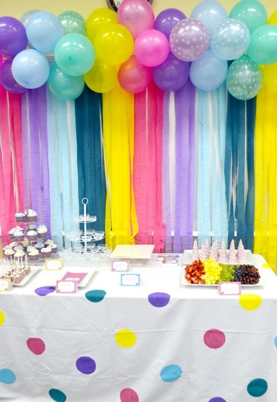 And combining both would create a decor that you would definitely love. This will not only decorate your dessert table but will create a great photo booth ...  sc 1 st  Quora & What are some of the unique balloon decoration ideas? - Quora