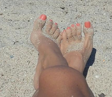 Feet sexy pale Who is
