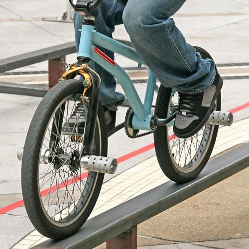When did bicycle pegs become popular?