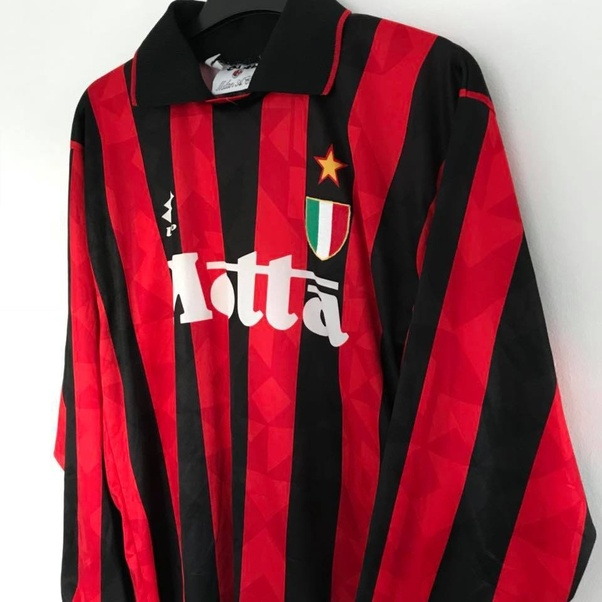 ba481cce689 What are some of the most iconic football jerseys of all time  - Quora