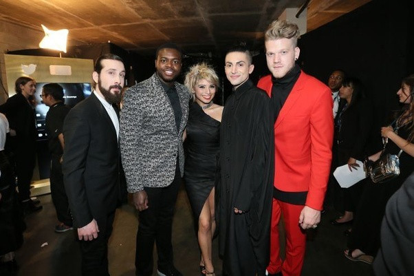 Why were Avi and Kevin not with the rest of Pentatonix in the Bones