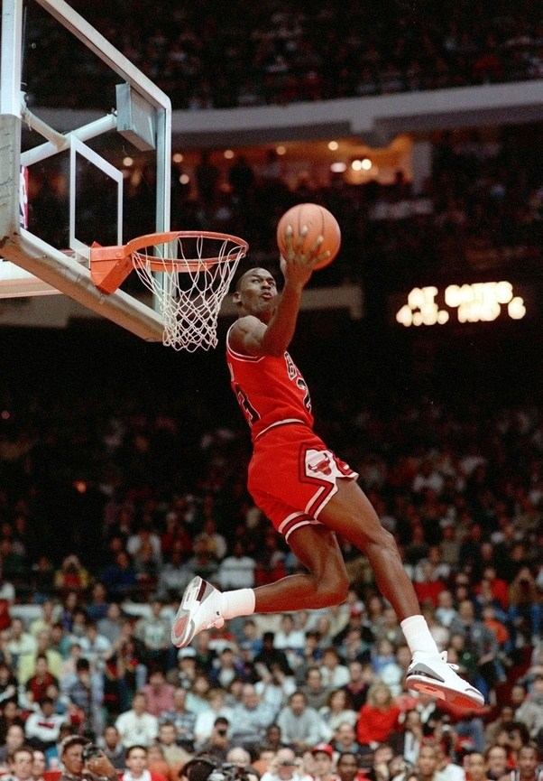 Who Dunks Better Michael Jordan Or LeBron James