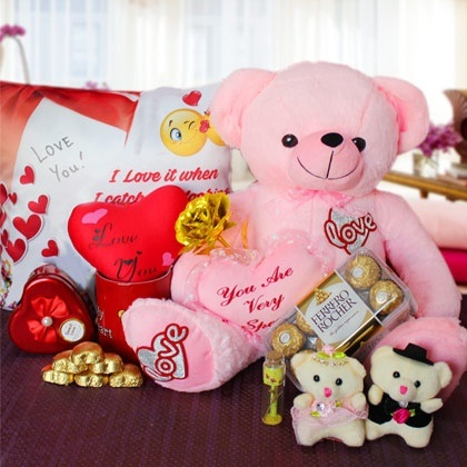 What is the best gift for my boyfriend on Valentine\'s Day? - Quora