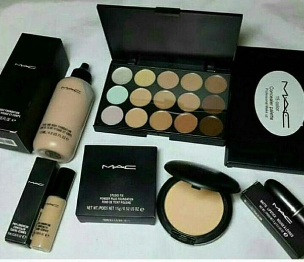 The Makeup Kit by MAC is the best in the world used by all the leading film stars across the world. M·A·C is the world's leading professional makeup ...