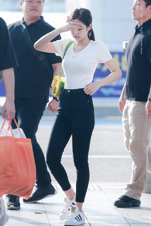 Who Has A Better Sense Of Style Hyuna Jennie Or Lisa Quora