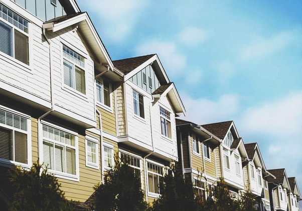 What's better for real estate, investing in a house or condo? - Quora