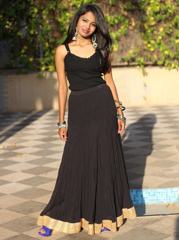 18924572004db What should you wear with a black maxi skirt? - Quora