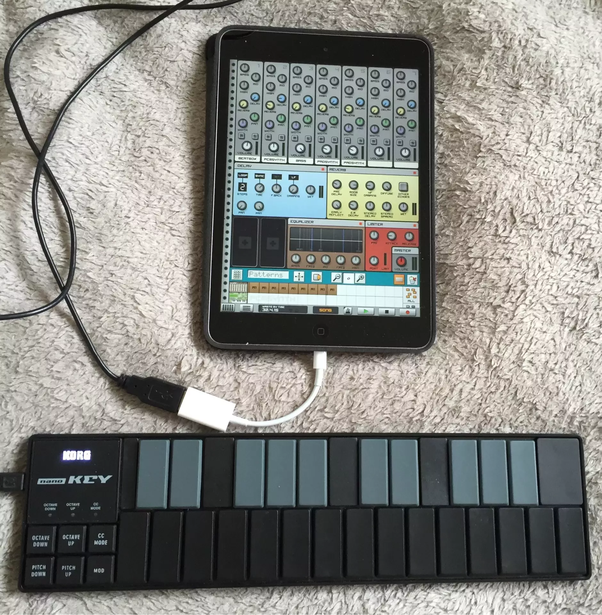 how to connect a usb midi controller to an ipad or iphone quora. Black Bedroom Furniture Sets. Home Design Ideas