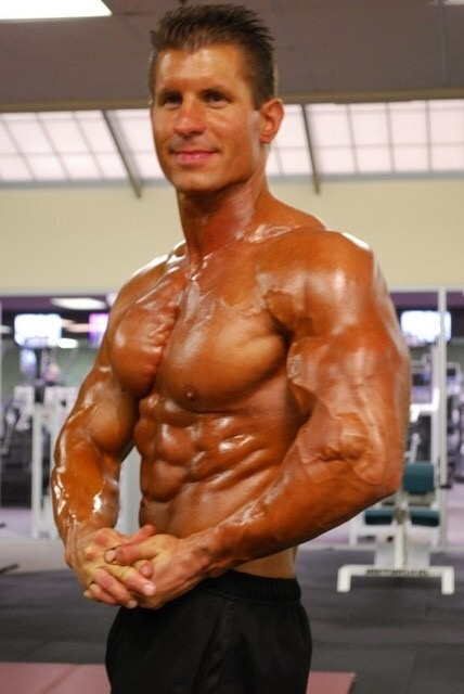 What is the average weight of competitive natural bodybuilders? - Quora