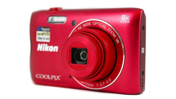I want to buy a 20MP digital camera  Which company is better