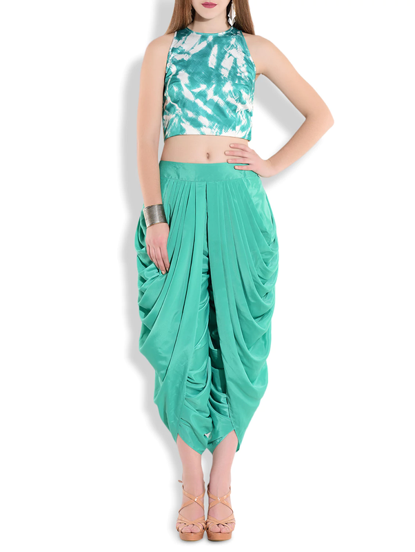 What are the best Indo-western dresses for short girls? - Quora