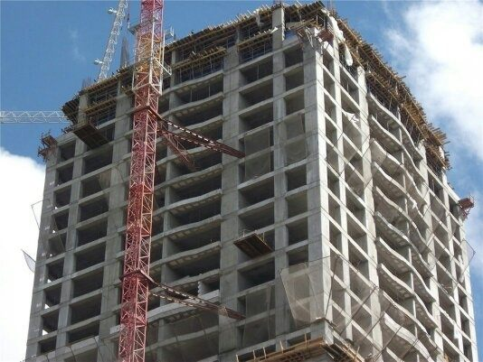 Masonry Building Framed : What is the differene between reinforced concrete
