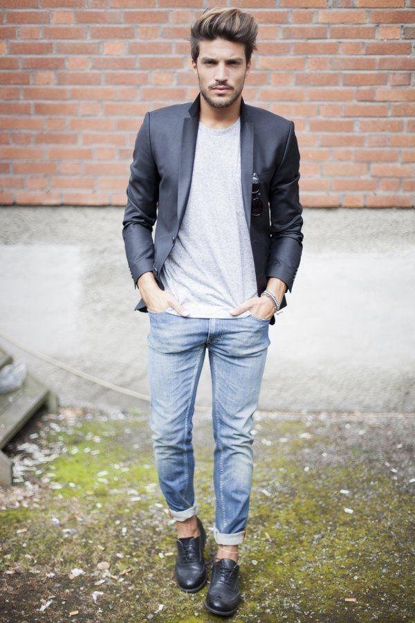 Do Blue Jeans Go With A Dark Grey T Shirt Quora