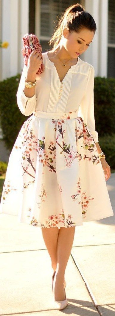 What colour top should I wear with a white floral skirt? - Quora