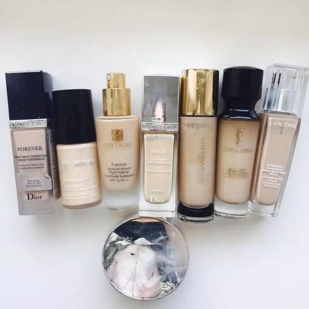 In summer, our basic needs for liquid foundation are nothing more than two points: a. Weighless b. No makeup meltdown/Long lasting