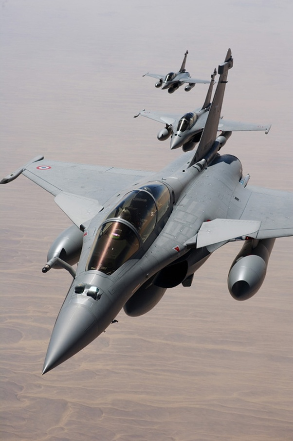 Which one is better, the Dassault Rafale or the Sukhoi 30MKi