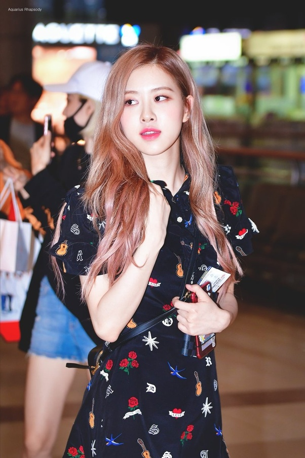 What Are Some Of The Best Outfits Worn By Blackpink Rose Quora