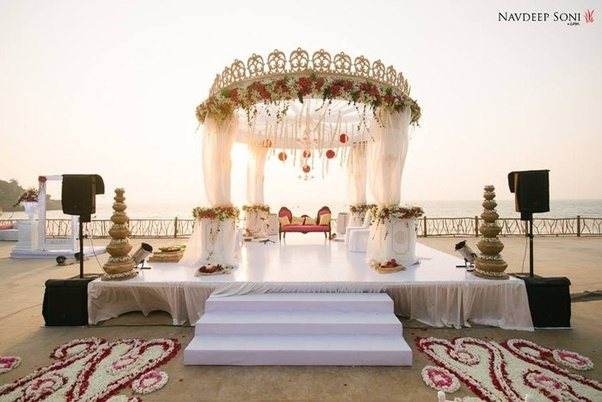 How to organize an indian wedding during demonetization with a its not mandatory to host your wedding in a banquet hall or a garden lawn choose an unconventional venue such as your backyard building terrace an open junglespirit Choice Image