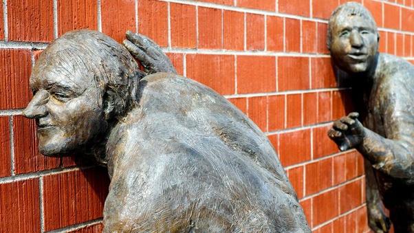 Qual é a origem da expressão 'As paredes tem ouvidos'? - Quora