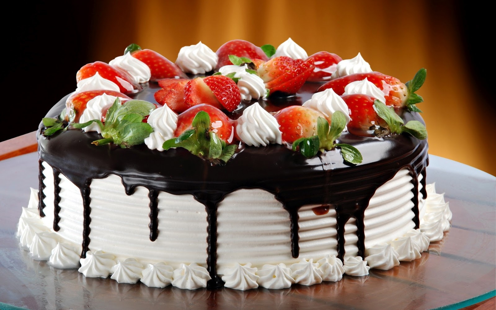 Buy Online Cakes Which Are Made Up With Pure Chocolate Midnight Delivery Available Cake Shop In Pune