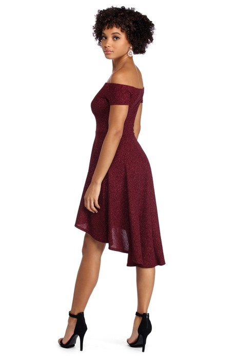 db2359be910d8 What color shoes should I wear with a Maroon dress? - Quora