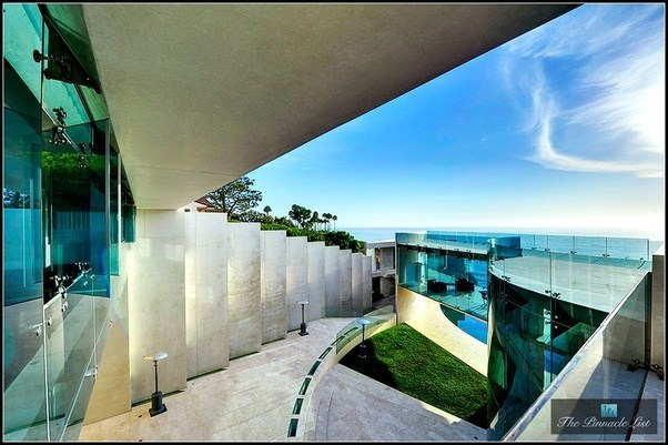 Iron Man House Interior. 4 bedrooms and 6 baths Is the Stark Malibu mansion real  How where did they shoot