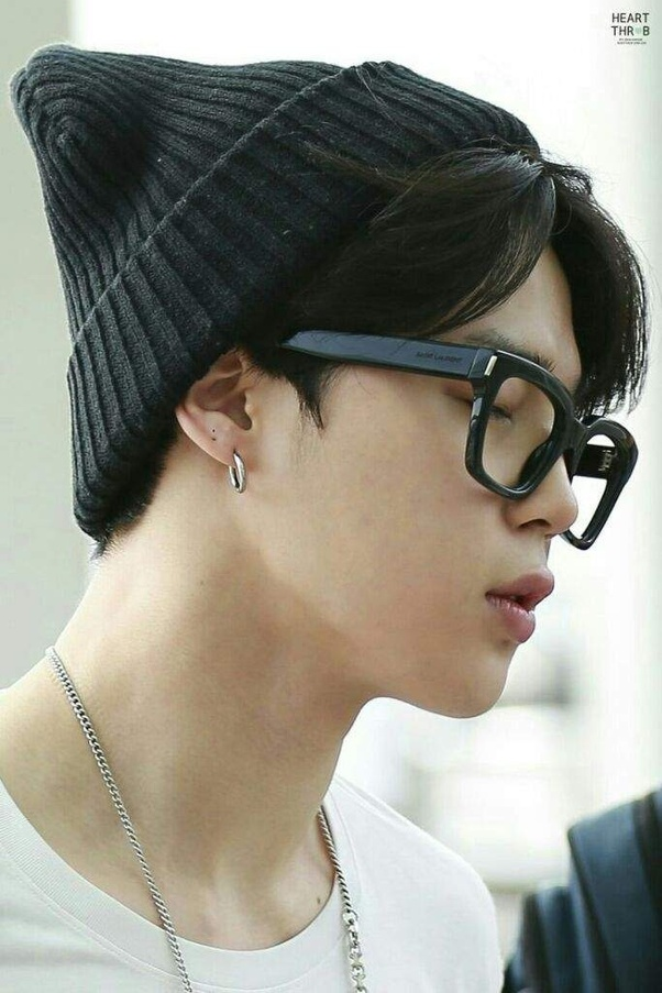 Accessories- They love accessories. They rock huge dangling earrings with  style and confidence. Especially Jimin and V are most fond of rings and  earrings. 6cba134fb467