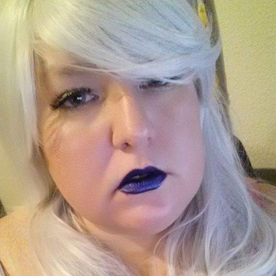 Makeup Is A Way Of Self Expressing Maybe I Want To Have Blue Lips One Day
