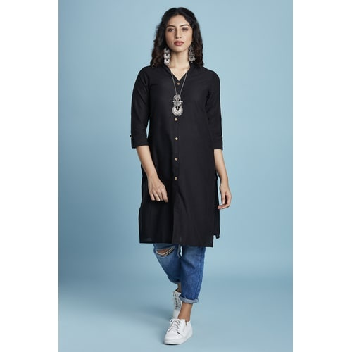 49bfa7cccd Nowadays almost every woman wears a kurti. kurtis can be paired up with  leggings, jeans, straight plans, palazzos, or just heels.